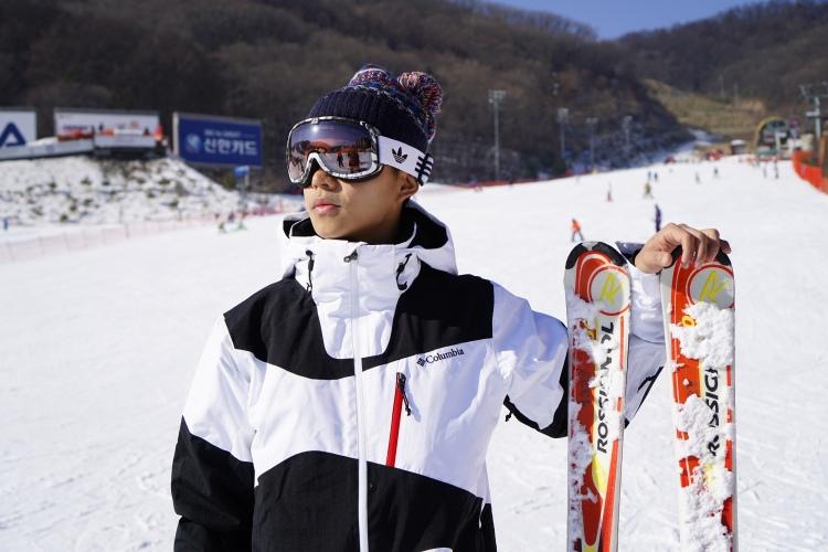 配上一套完整裝備,十分期待滑雪的快感。