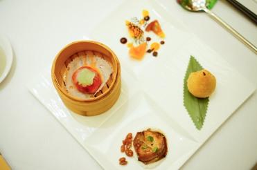 金殿精緻小品:失傳菜吊燒鴨肝金錢雞、紅菜頭玉帶粿、津梨肉燥咸水角