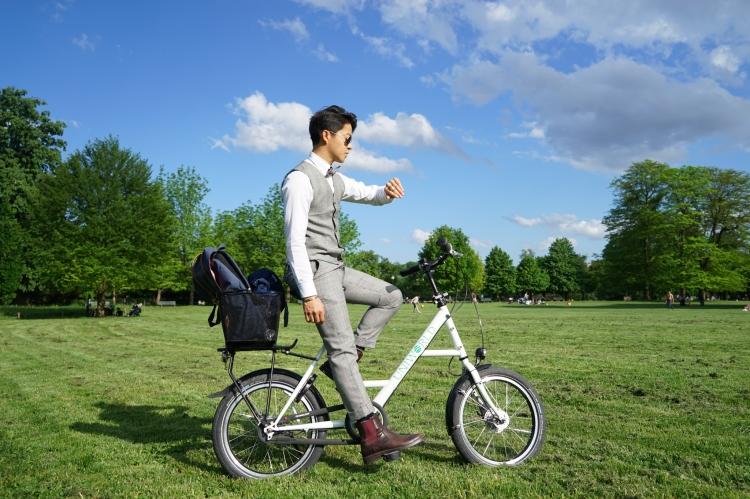 在法國隨處都可以租單車,每小時收費約 1 歐元